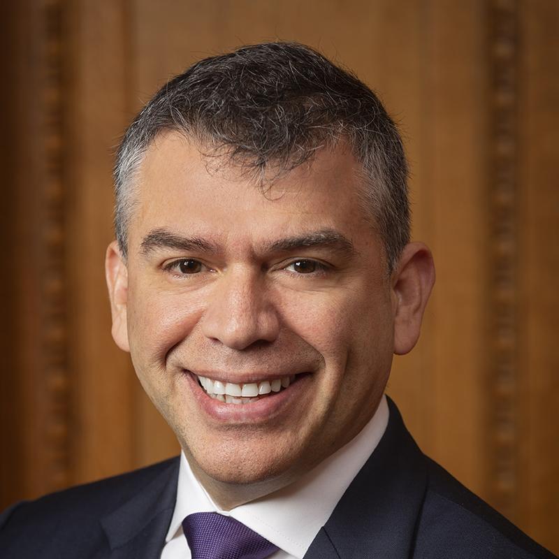 Julio Guzmán Photo