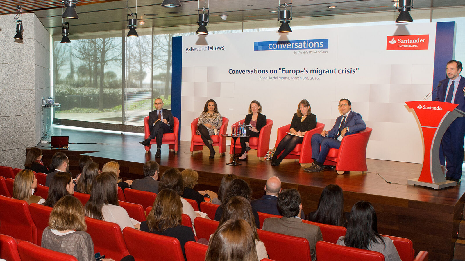 Yale co-hosts Conversations Without Borders event in Madrid photo
